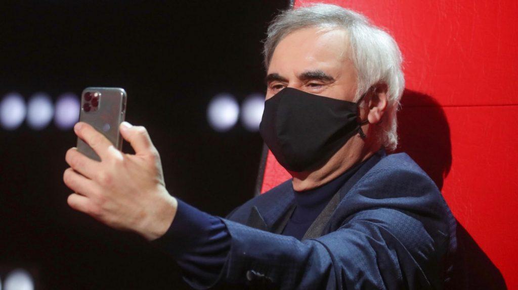 iPhone เปิดตัวนวัตกรรมใหม่ของระบบปลดล็อคโทรศัพท์ โดยการใส่หน้ากากอนามัย