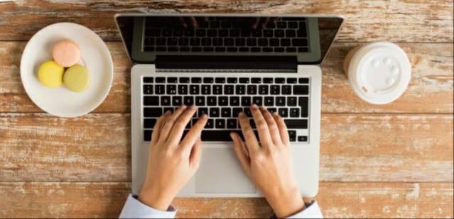 เทคโนโลยีคอมพิวเตอร์อุปกรณ์ที่จะช่วยให้คนเรานั้นผ่อนแรงในเรื่องเอกสารได้เป็นอย่างดี