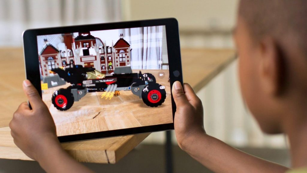 พัฒนาเทคโนโลยี AR ให้ใช้งานได้บนอุปกรณ์ iOs