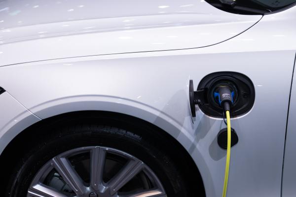 เทคโนโลยี รถยนต์ไฟฟ้า ช่วยเหลือโลก
