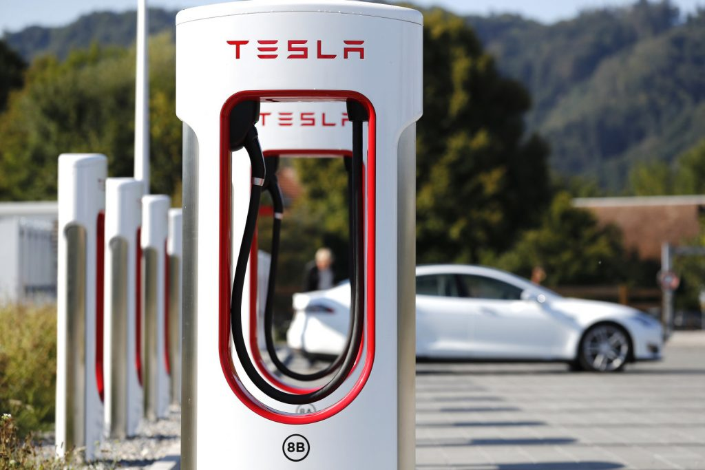 บริษัท Tesla อัปเดตสถานี Supercharger V3